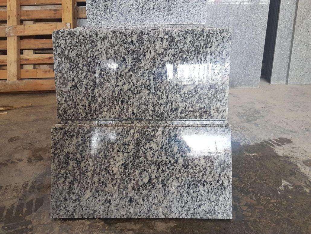 granite-min